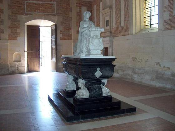 anet-chateau-danet-tomb-of-diane-de-poitiers