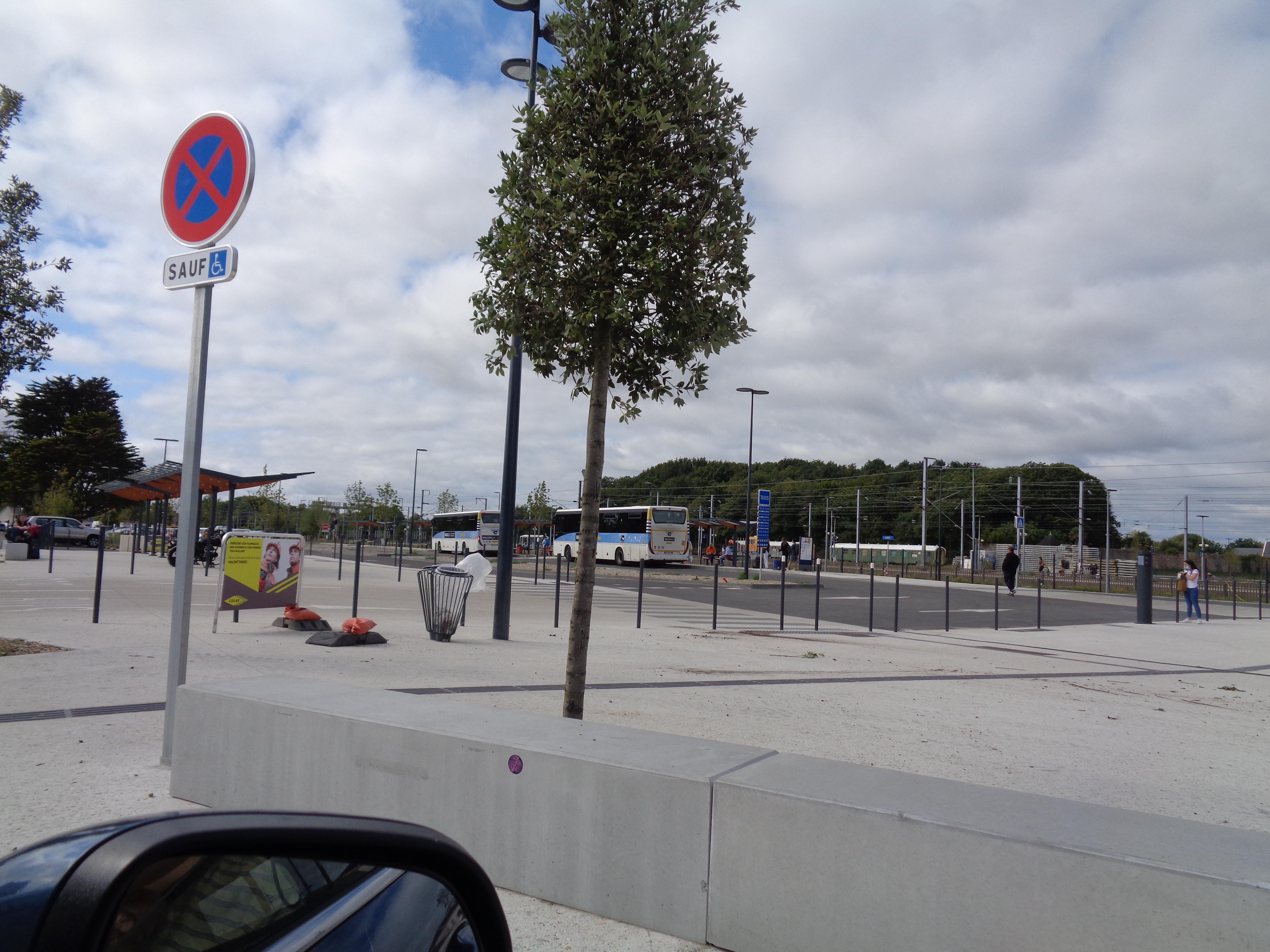 Auray bus terminal train sep21