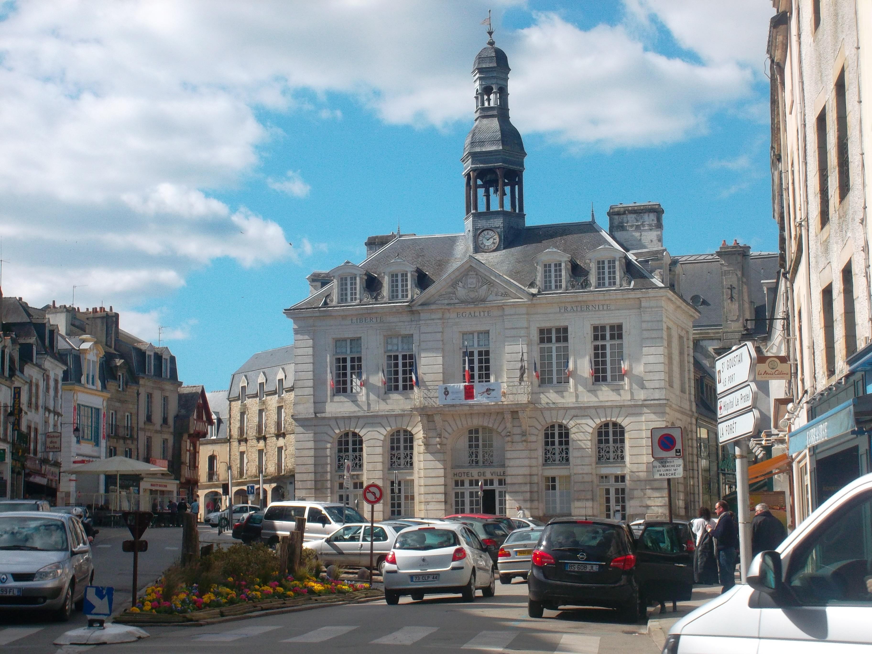 Auray pl de la republique hotel de ville mars12