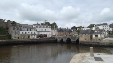 Auray st goustan towards cv pont vieux on river loch mai12