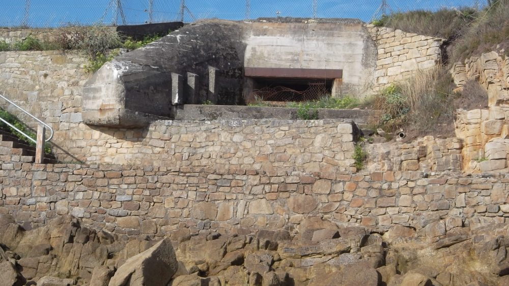 carnac-old-bunker-wwii-st-colombard-aug12
