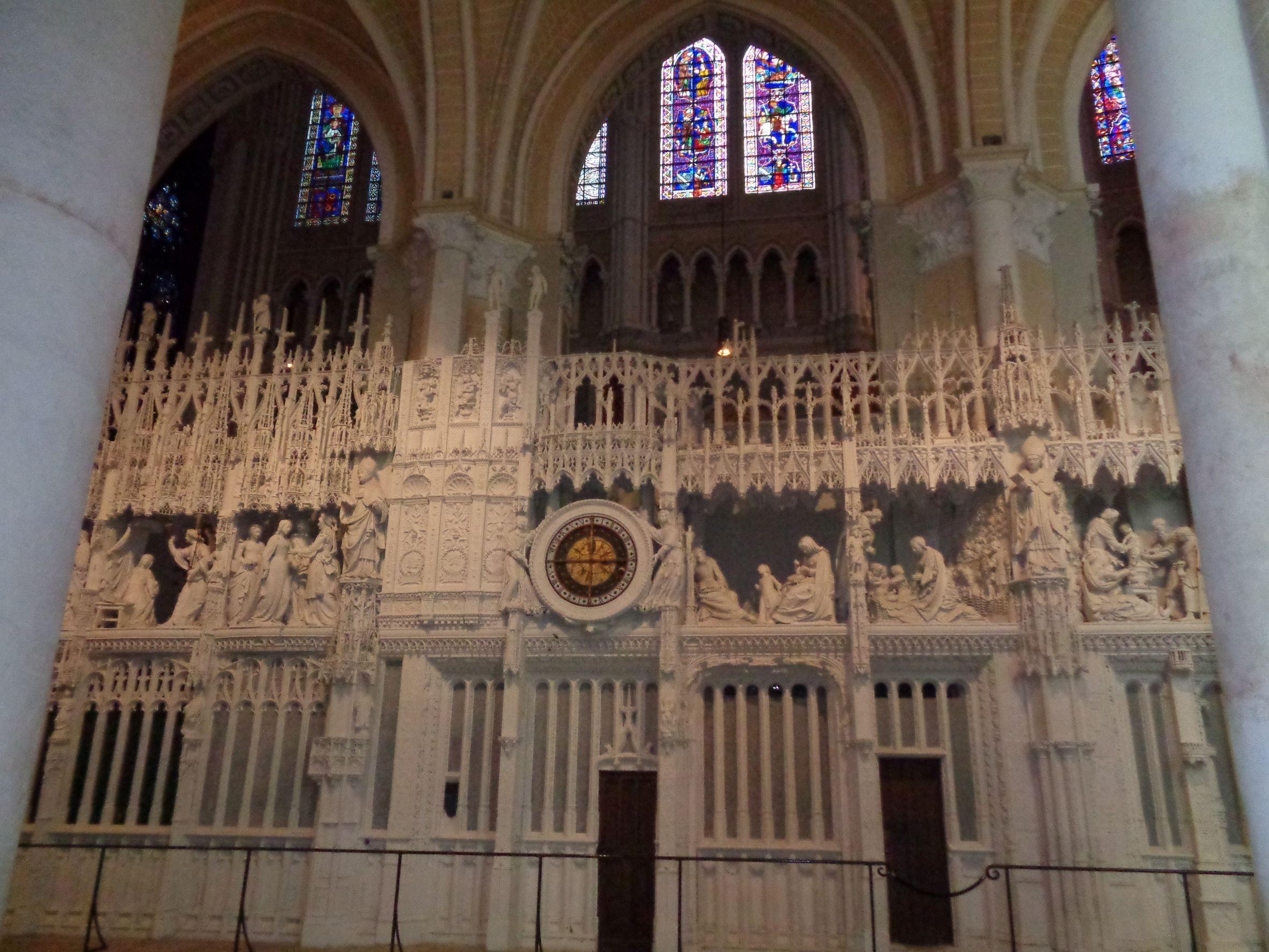 Chartres Cat ND cadran apostles choir sep21