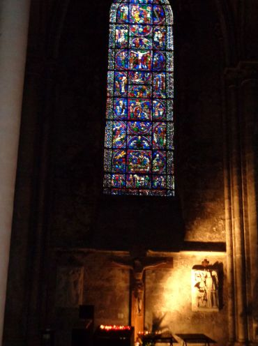 Chartres Cat ND Christ at the Cross sep21