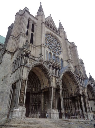 Chartres Cat ND portail nord back sep21
