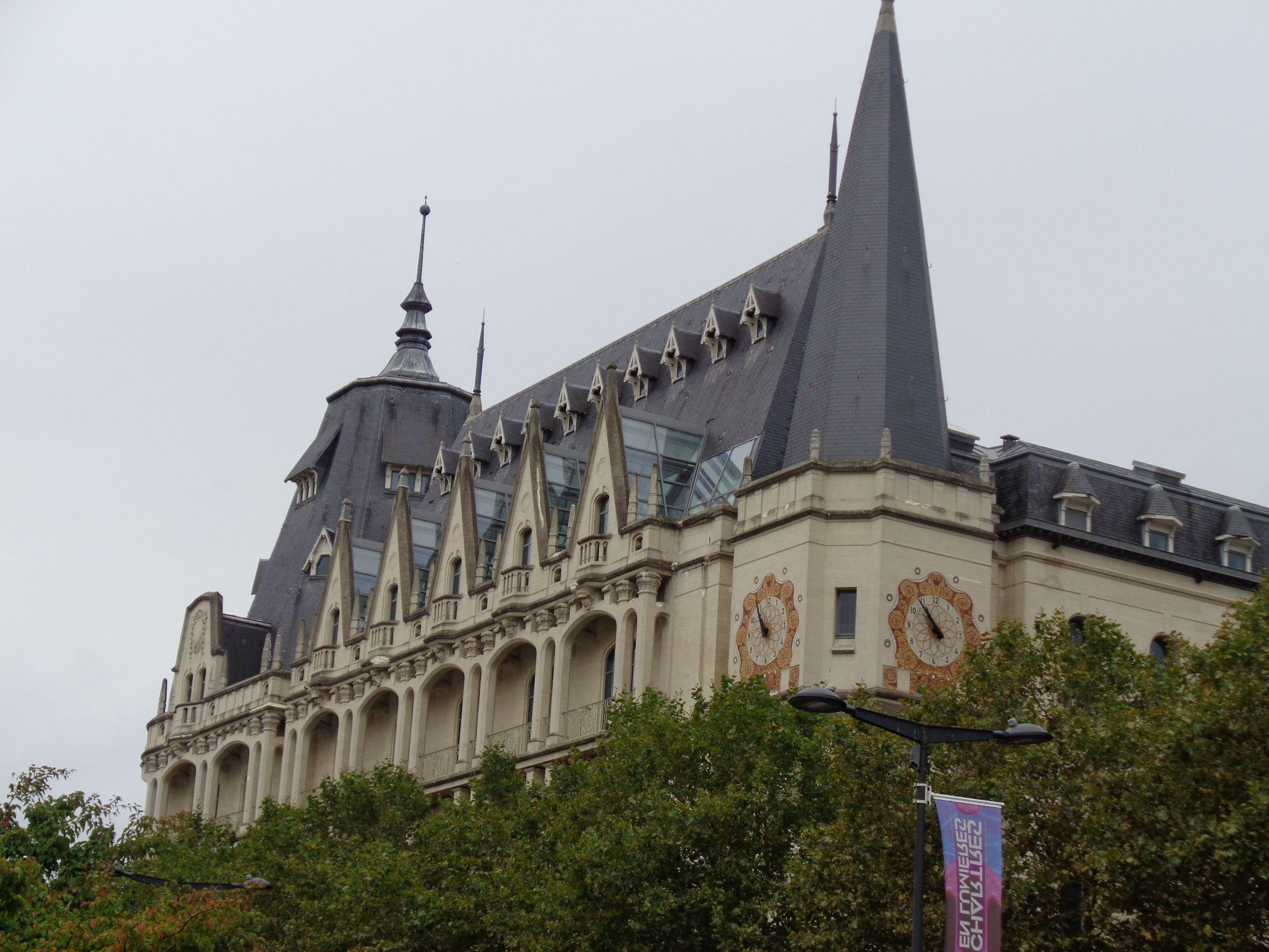 Chartres hotel des postes 1 bd maurice viollette sep21