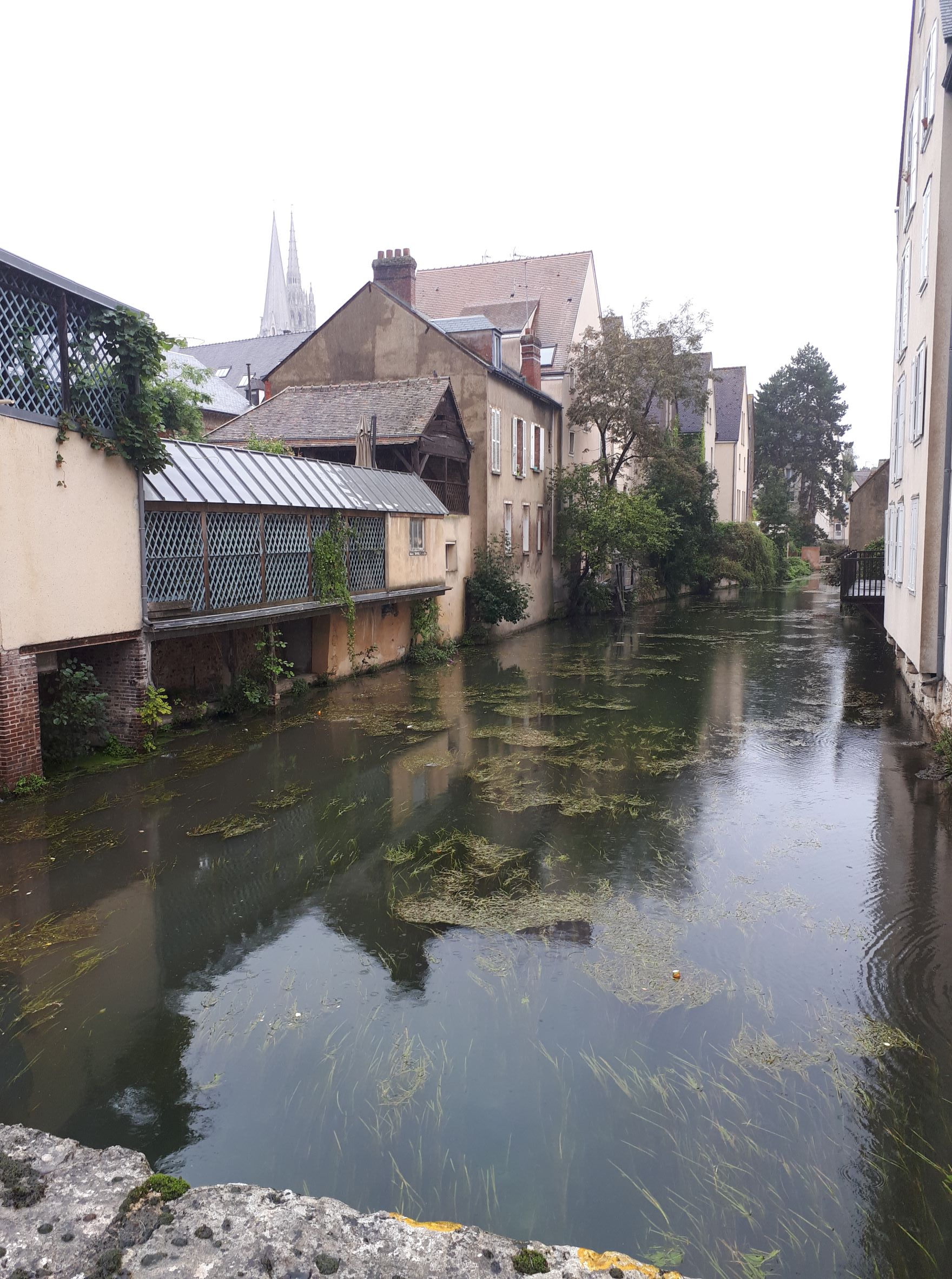 Chartres l'eure river by porte guillaume sep21