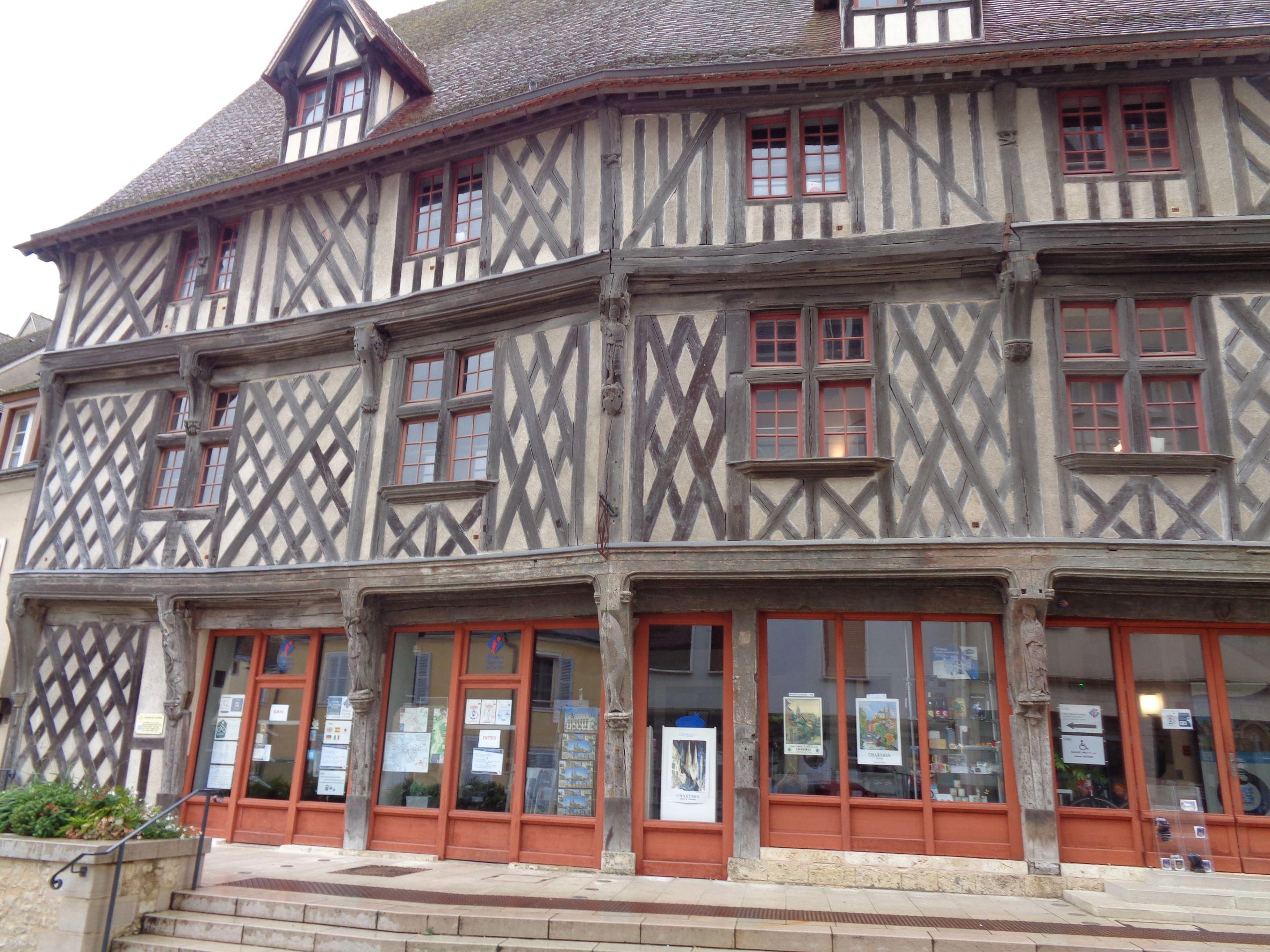 Chartres maison du saumon et tourist ofc sep21
