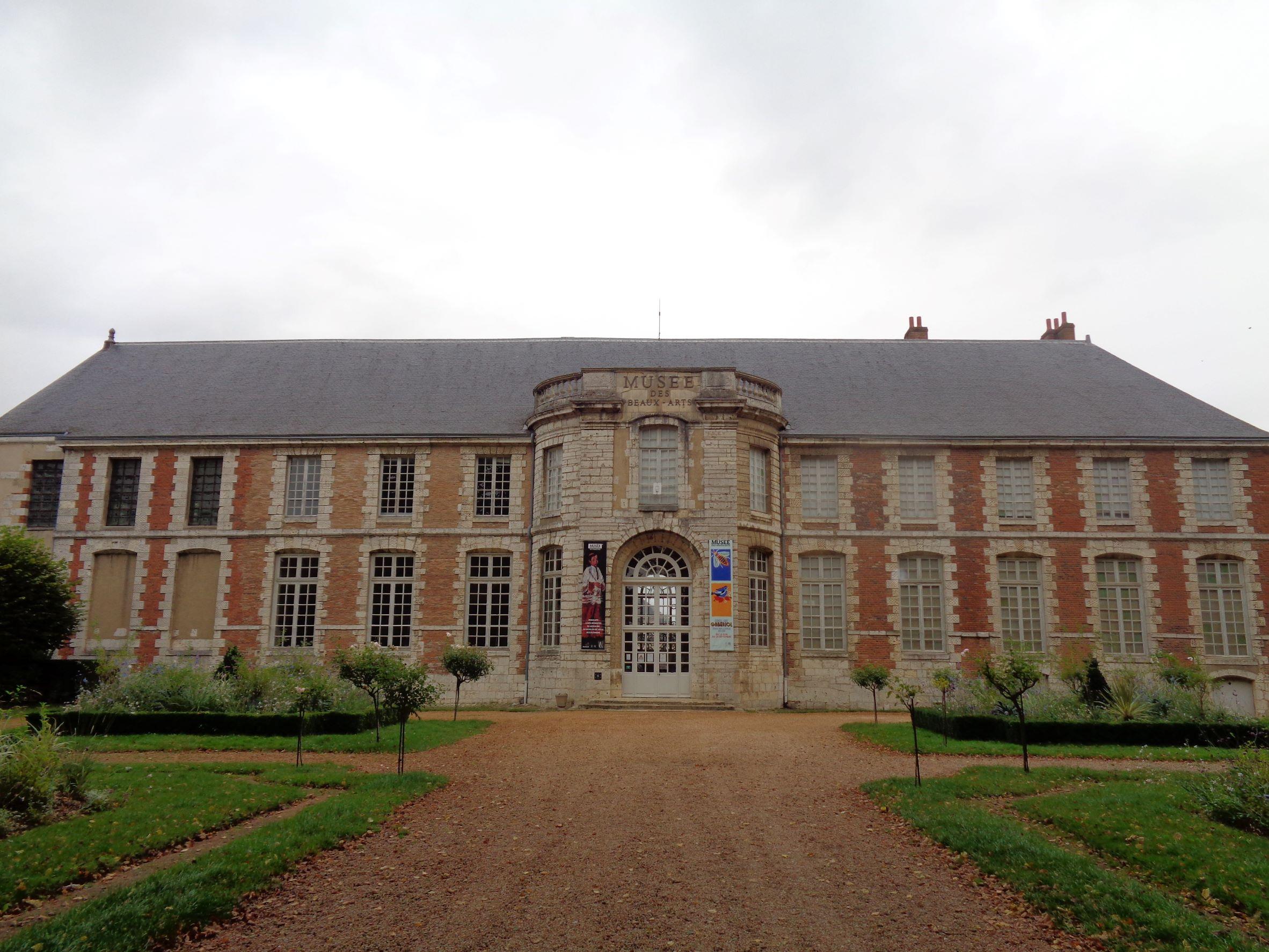 Chartres mus des beaux arts front sep21