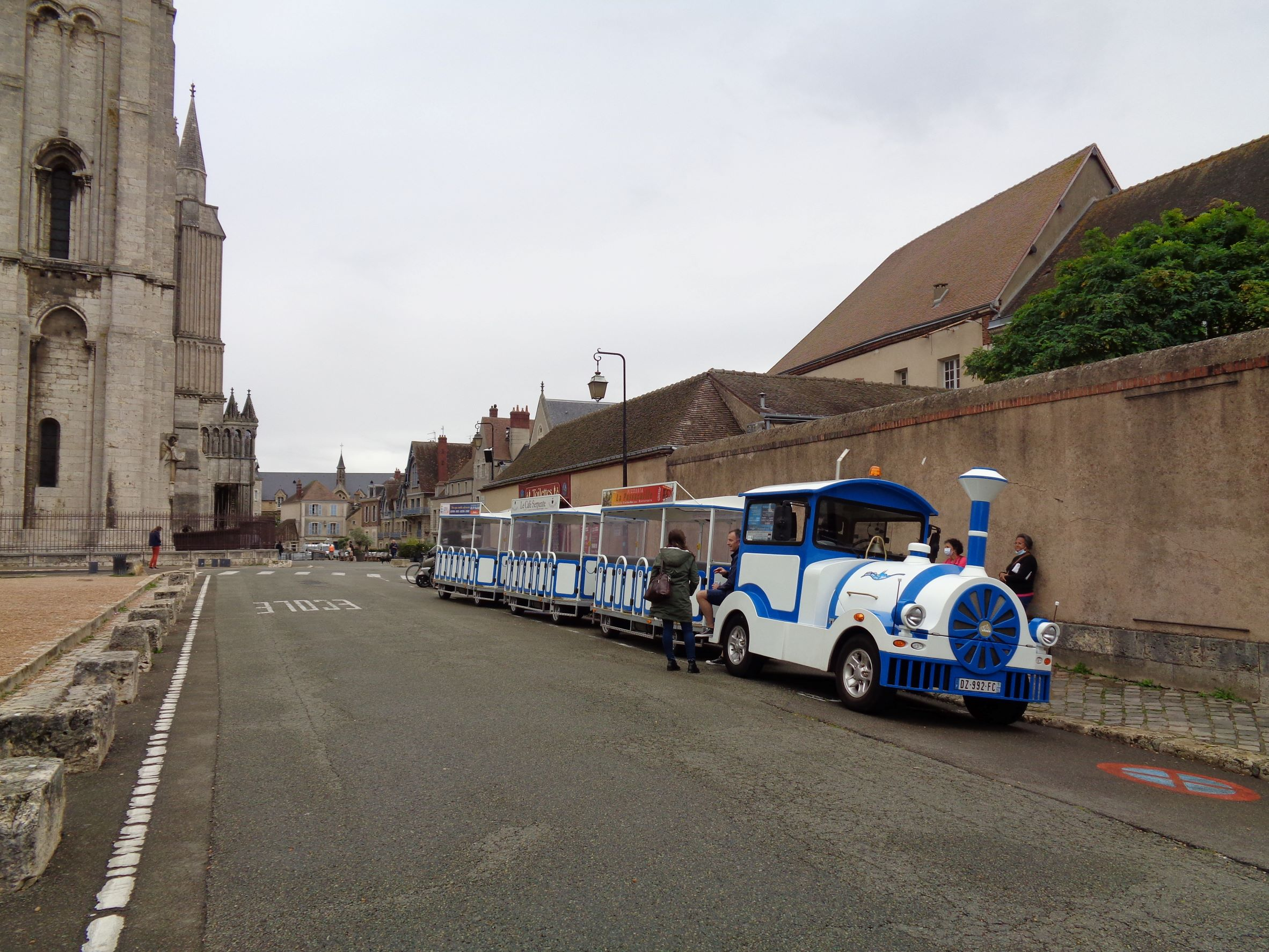 Chartres petit train by cat ND sep21