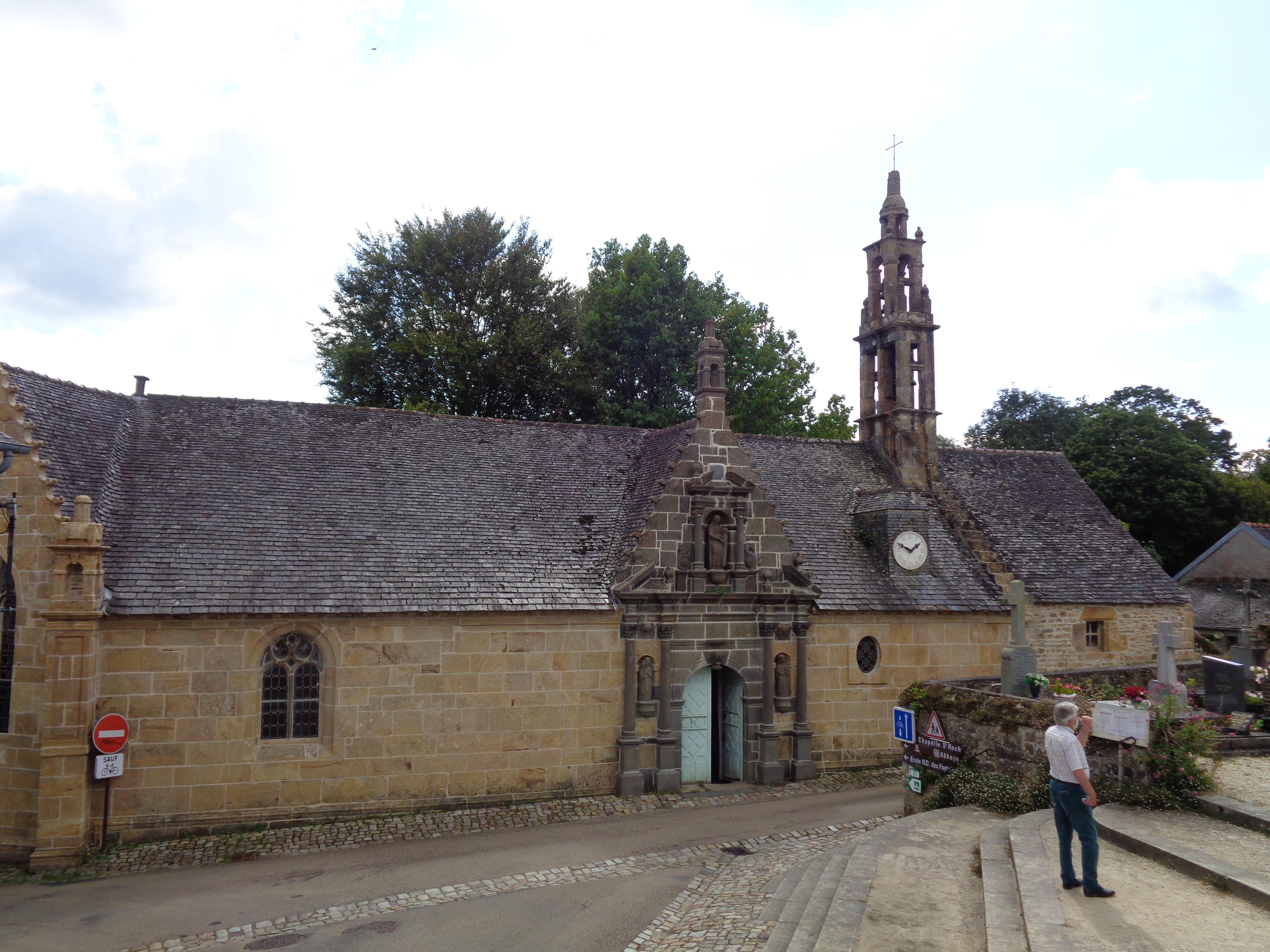 Daoulas abbaye ch ND chapel across cemetery sep21