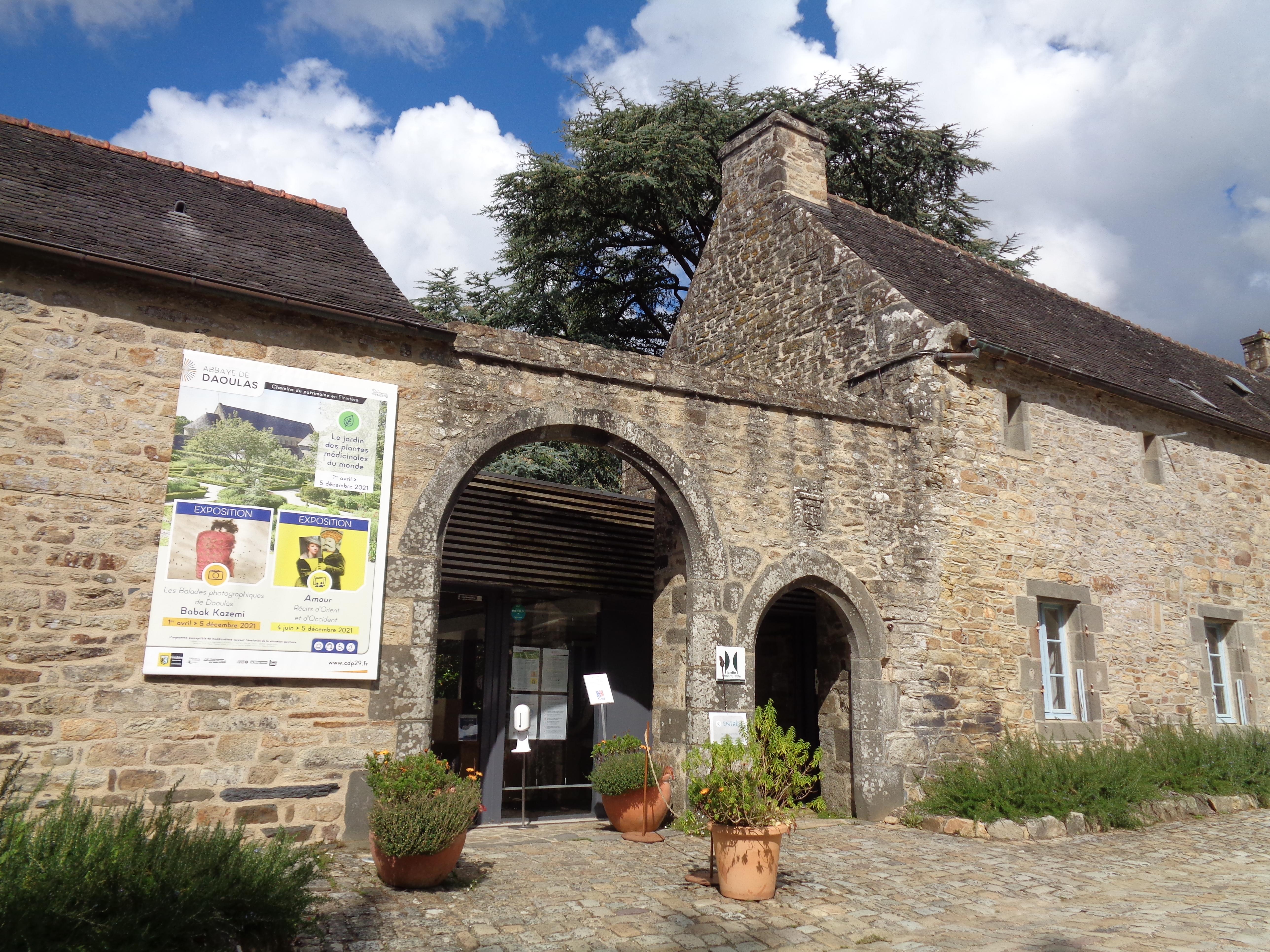 Daoulas abbaye ch ND gardens ent sep21