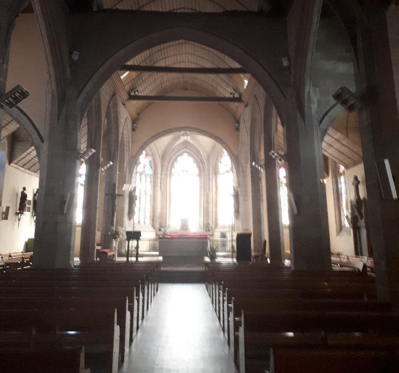 gourin-ch-st-pierre-et-st-paul-nave-to-altar-jul19