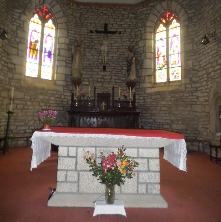 guehenno-ch-of-saint-pierre-et-saint-jean-baptiste-altar-jan16