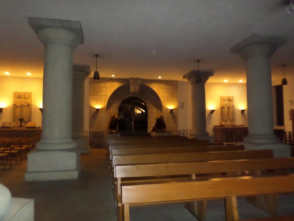lux-cat-nd-lower-chapel-lions-royal-necropolis-aug15