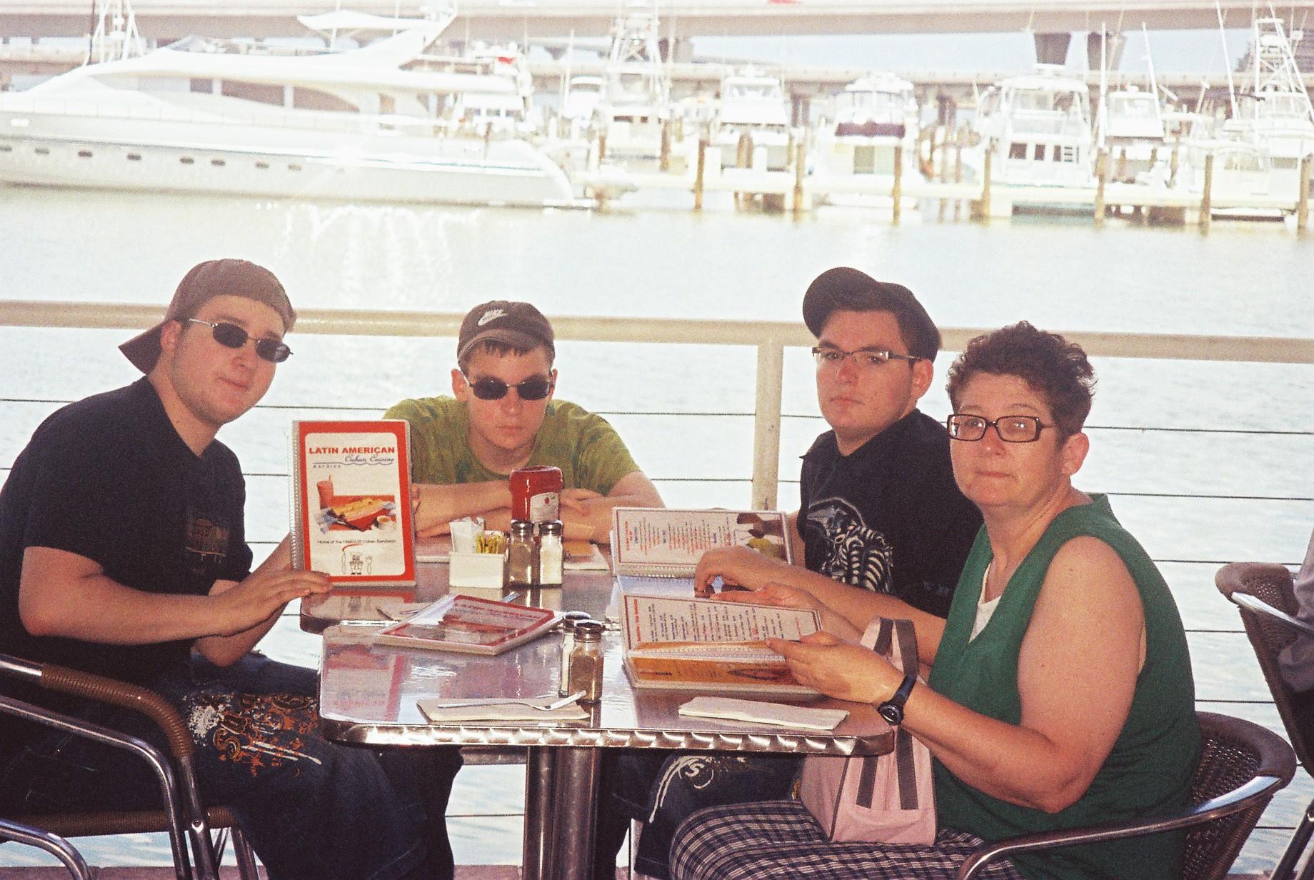 miami-latin-american-cafeteria-bayside-aug09