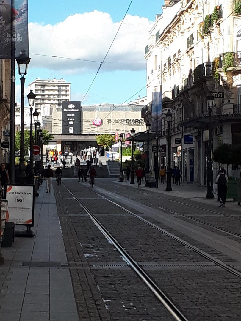 orleans gare et shopping place d'arc sep21