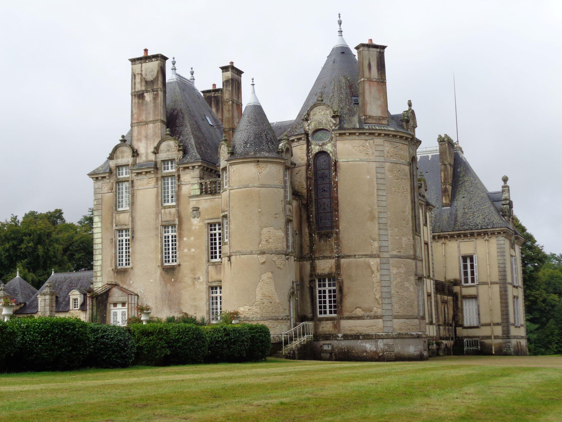 plu chateau keronic side back sep21