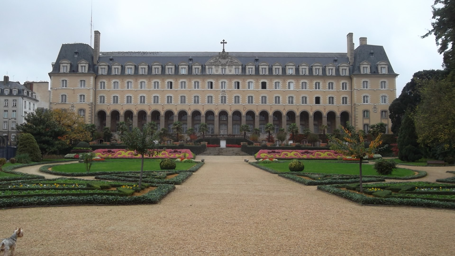 rennes jardin-st-george- back palais madeleine oct12