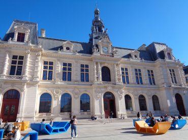Poitiers hotel de ville front oct21