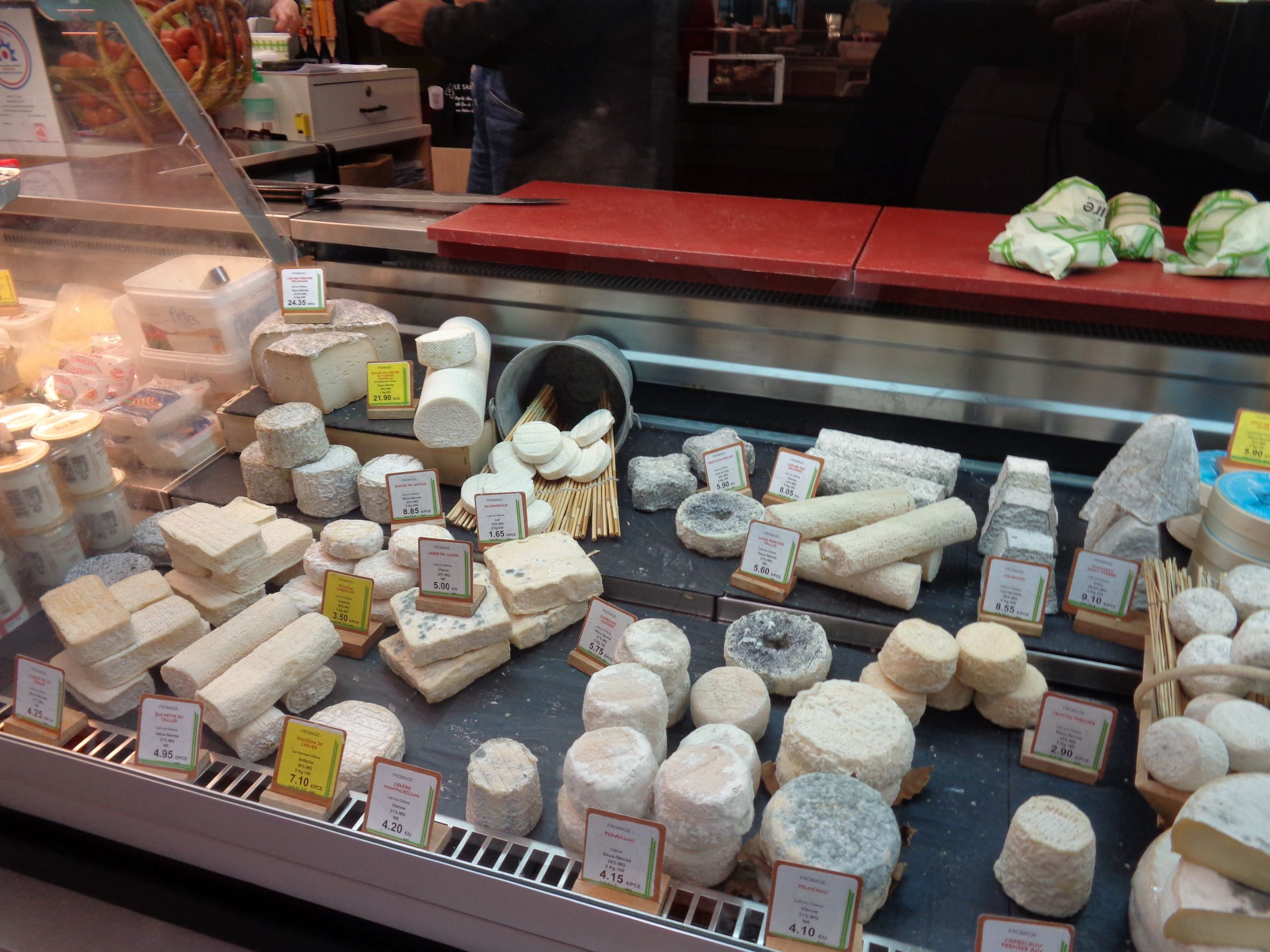 Poitiers marche notre dame goat cheeses purchase oct21