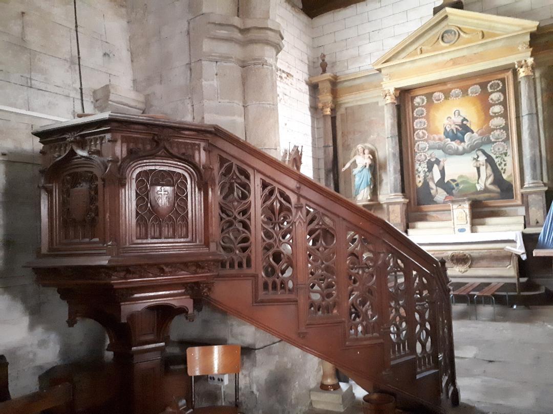 Serent ch st pierre pulpit afar chapel virgin et child oct21